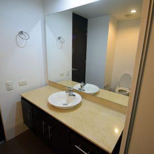apartamento-hotel-estelar-alto-prado-barranquilla-habitacion-baño